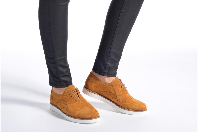 Chaussures à lacets Ippon Vintage Andy Pics Marron vue bas / vue portée sac