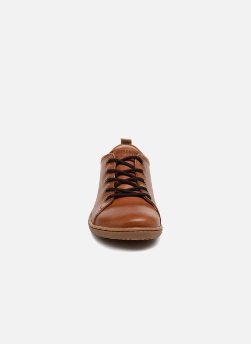 Zapatos con cordones Birkenstock Islay Marrón vista del modelo