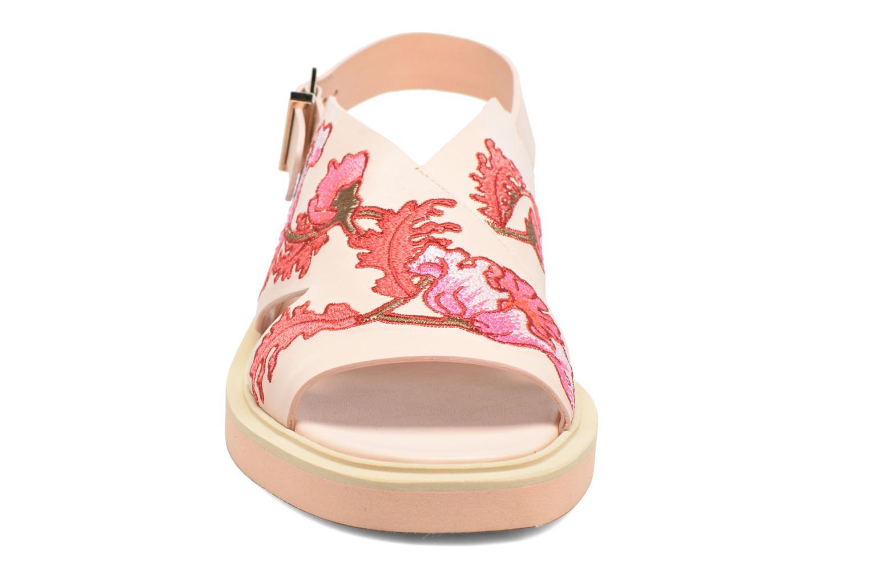 Sandaler Carven Butterfly Sandal Pink se skoene på