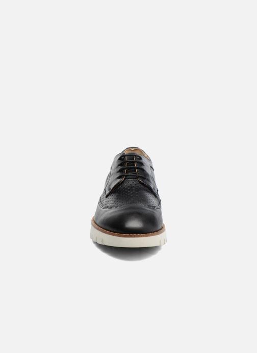 Snörade skor Geox D BLENDA A D720BA Svart bild av skorna på