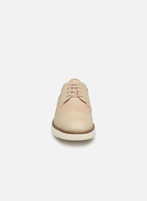 Chaussures à lacets Geox D BLENDA A D720BA Blanc vue portées chaussures