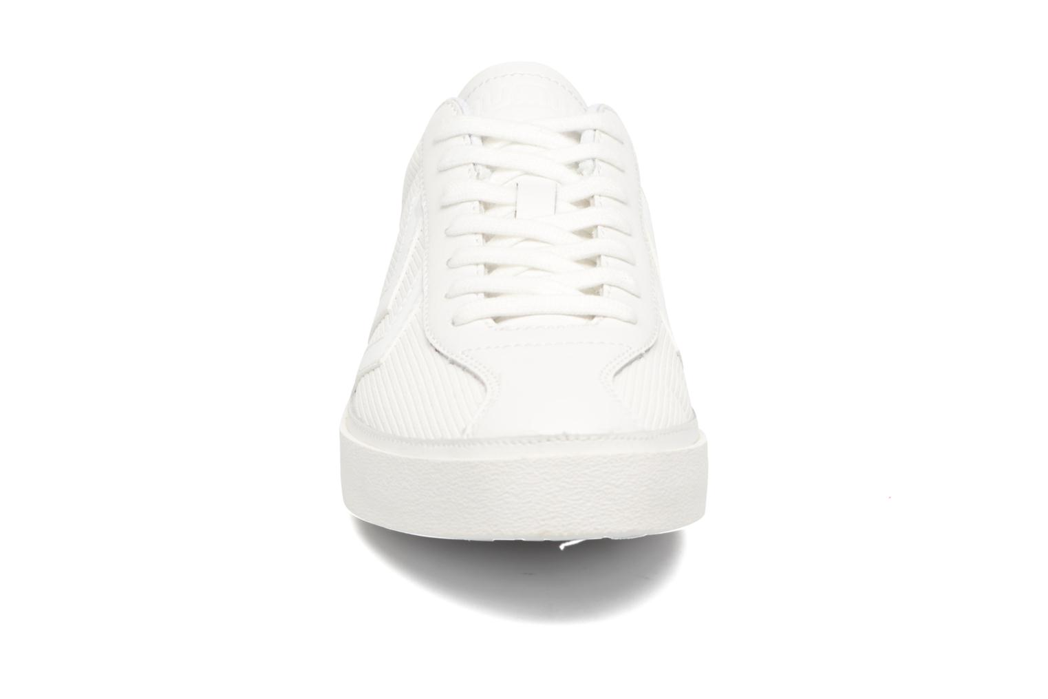 Trainers Hummel Diamant White Stripes White model view