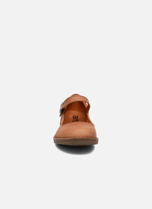 Ballerines Art Bergen 929 Marron vue portées chaussures