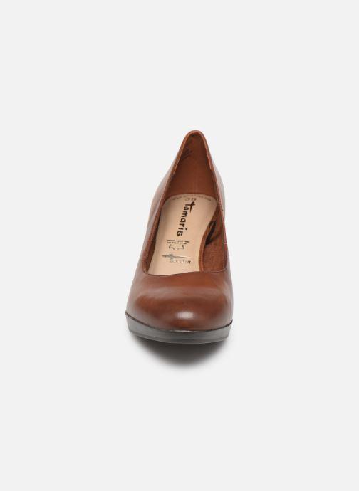 Escarpins Tamaris Fuchsia Marron vue portées chaussures