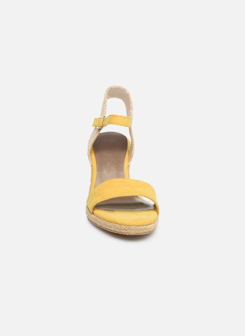Sandalen Tamaris Nepeta gelb schuhe getragen