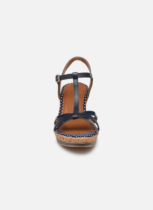 Sandales et nu-pieds Tamaris Aunée Bleu vue portées chaussures