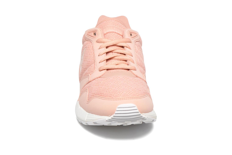 Baskets Le Coq Sportif Omega X W Reflective Rose vue portées chaussures