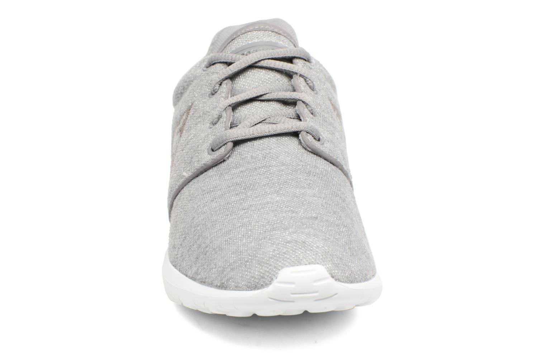 Baskets Le Coq Sportif Dynacomf W Summer Glitter Gris vue portées chaussures