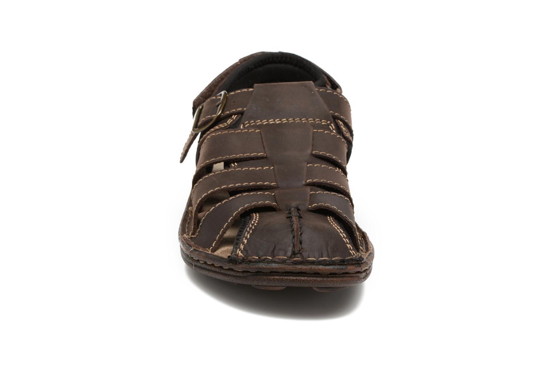 Sandales et nu-pieds Roadsign Georgie Marron vue portées chaussures