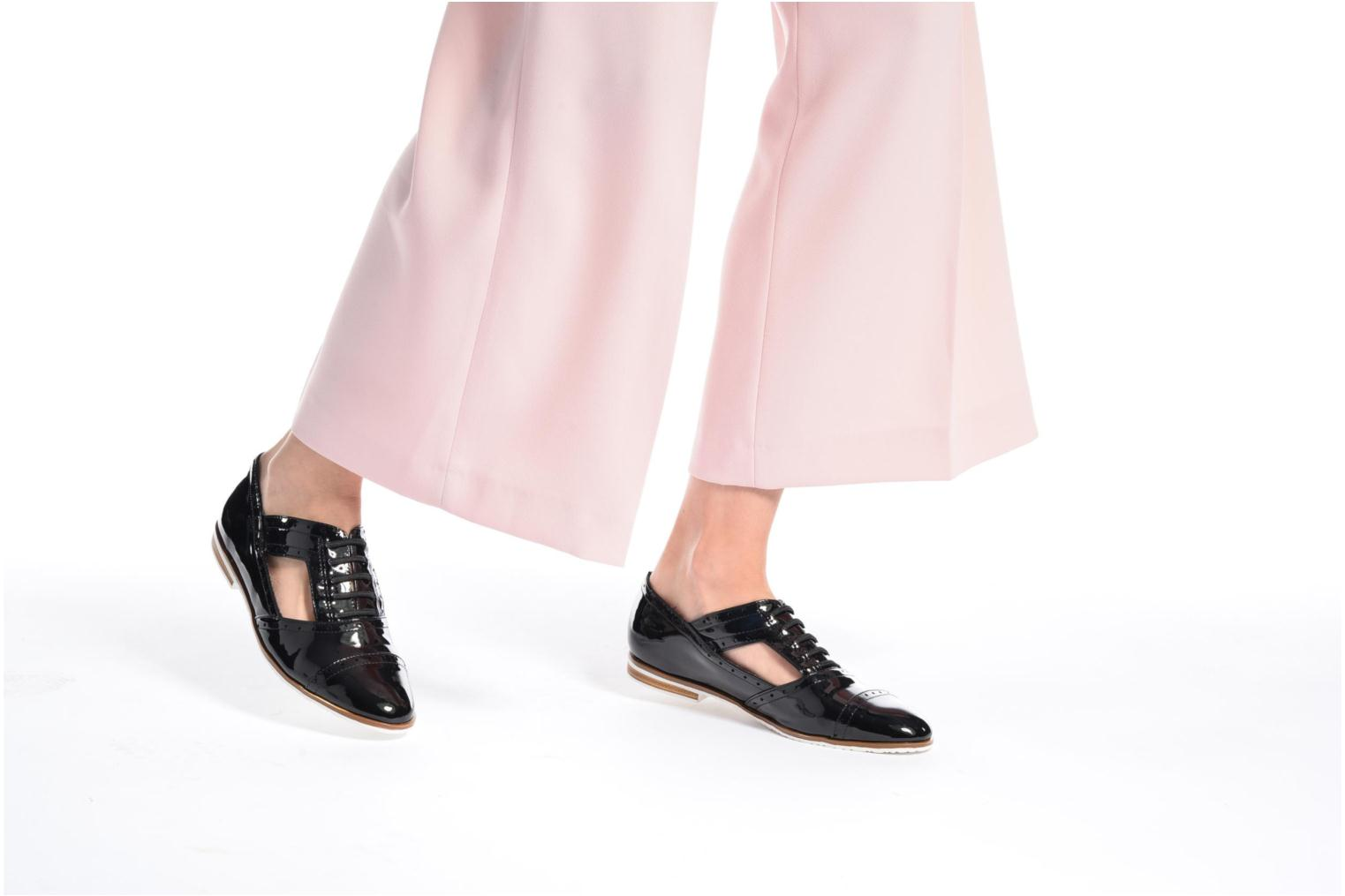 Lace-up shoes I Love Shoes BLEST Silver view from underneath / model view