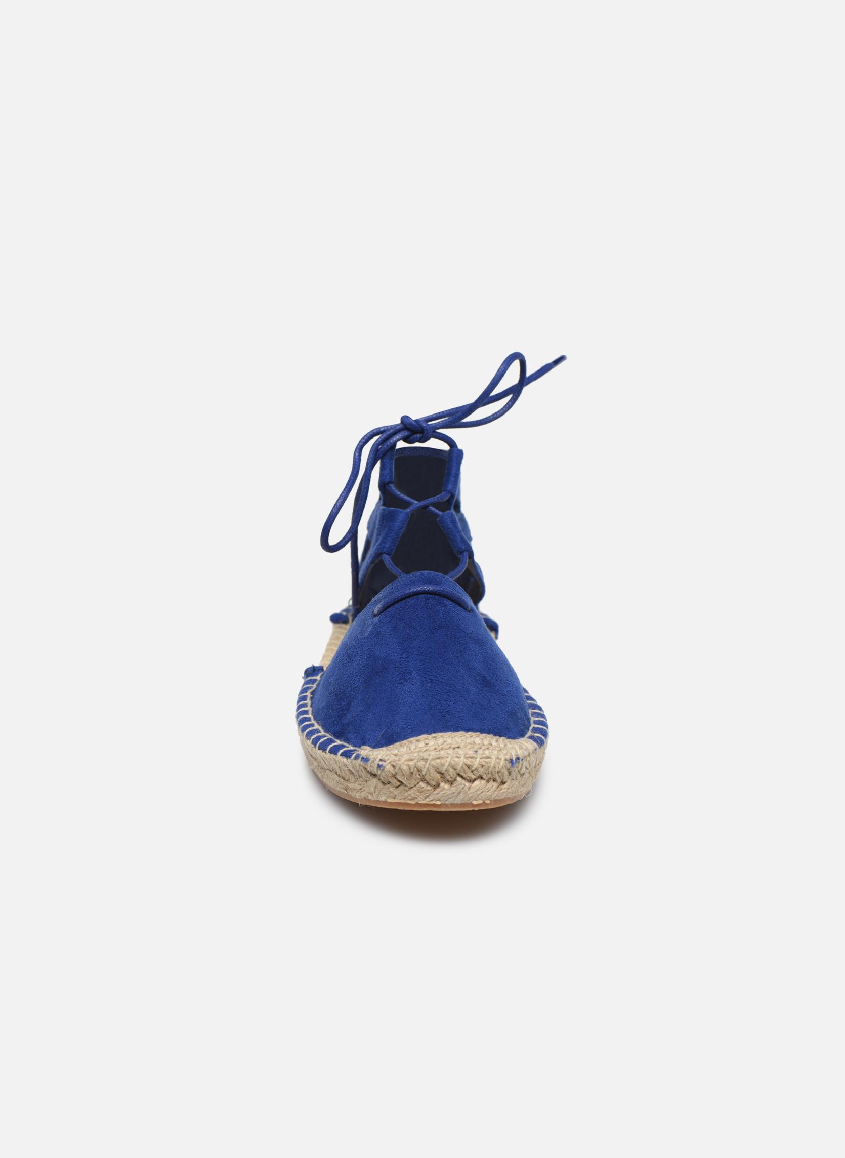 Alpargatas I Love Shoes THYADE Azul vista del modelo