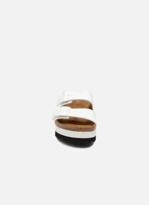 Mules et sabots Birkenstock Arizona Cuir Soft Footbed Blanc vue portées chaussures