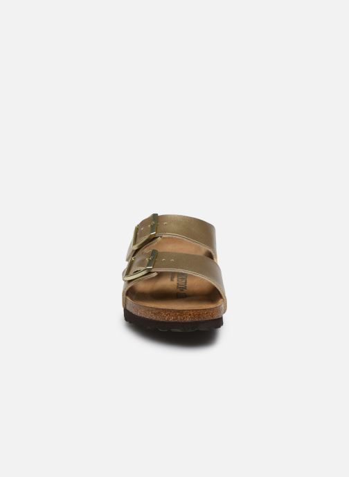Clogs & Pantoletten Birkenstock Arizona EVA W gold/bronze schuhe getragen