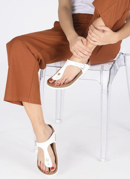 Sandales et nu-pieds Birkenstock Gizeh W Blanc vue bas / vue portée sac