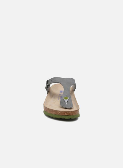 Sandali e scarpe aperte Birkenstock Gizeh W Grigio modello indossato