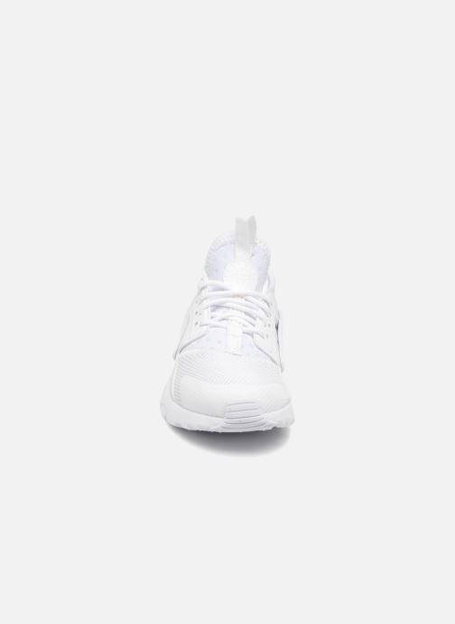 Deportivas Nike Nike Huarache Run Ultra (Ps) Blanco vista del modelo