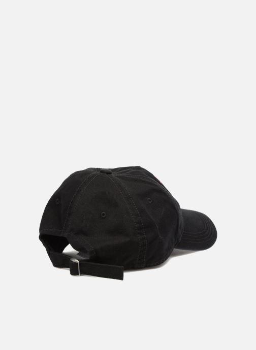 Cappellino Napapijri Fiarra Nero modello indossato