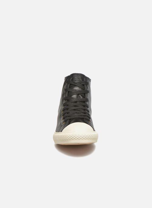 Baskets Levi's White tab sneaker Hi Noir vue portées chaussures