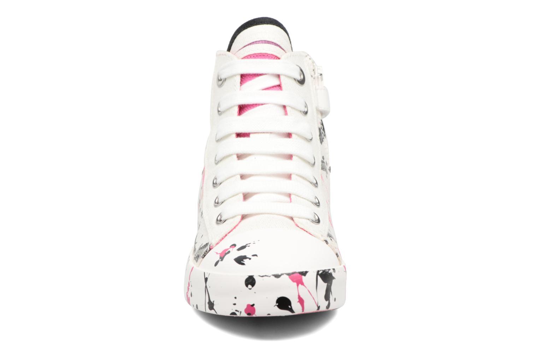 Sneakers Geox J Ciak G. C J7204C Bianco modello indossato