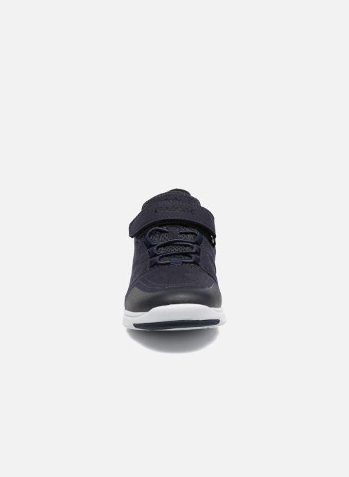 Sneakers Geox J Xunday B. C J723NC Azzurro modello indossato