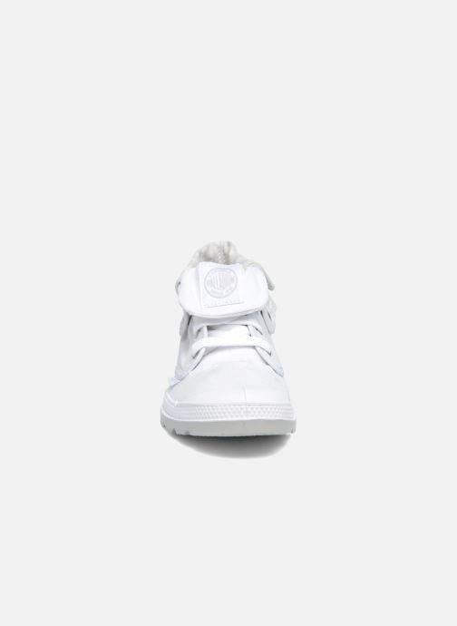 Baskets Palladium Bgy Low Lp Mtlk Blanc vue portées chaussures