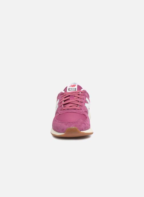 Baskets New Balance WRL420 Rose vue portées chaussures