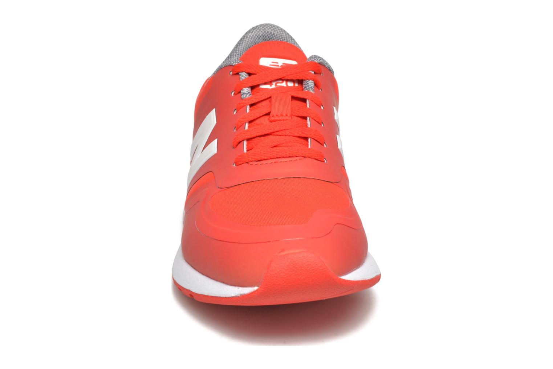Sneakers New Balance WRL420 Rød se skoene på