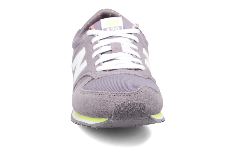 Sneaker New Balance WRL420 lila schuhe getragen