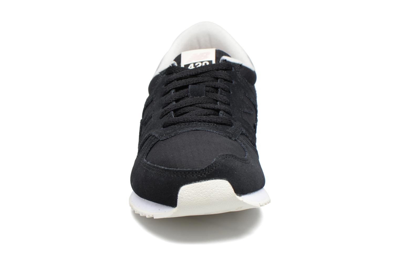Sneakers New Balance WRL420 Sort se skoene på