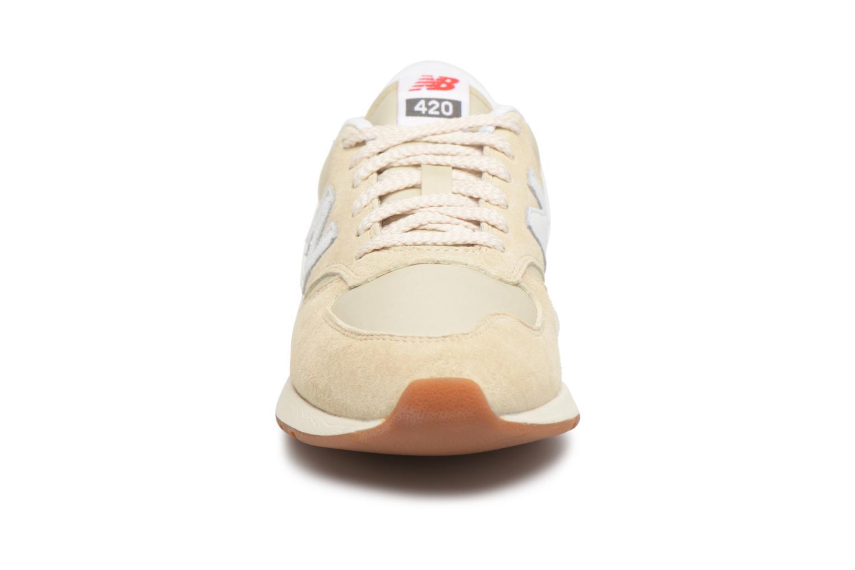 Sneaker New Balance WRL420 beige schuhe getragen