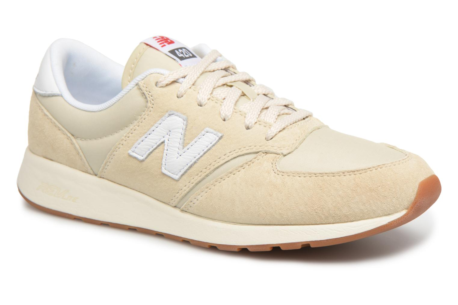 Trainers New Balance WRL420 Beige detailed view/ Pair view