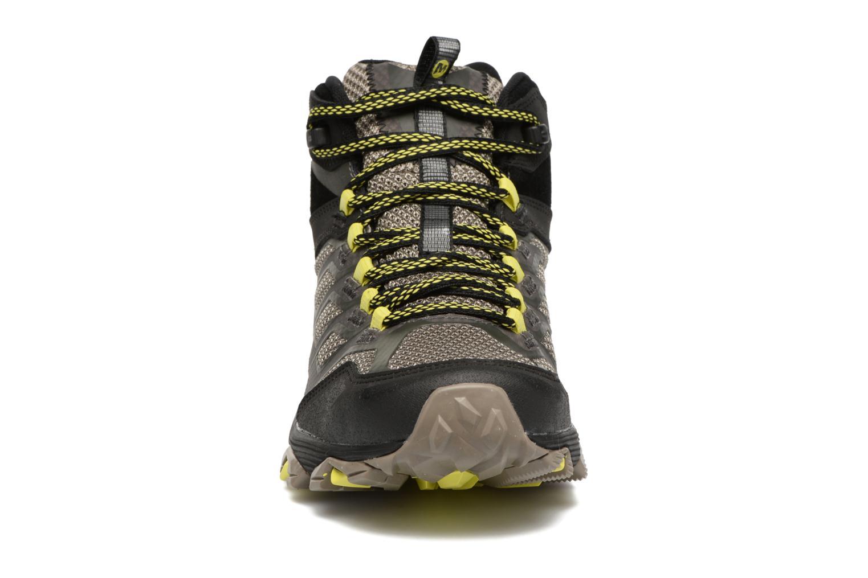 Chaussures de sport Merrell Moab FST Mid Gtx Noir vue portées chaussures