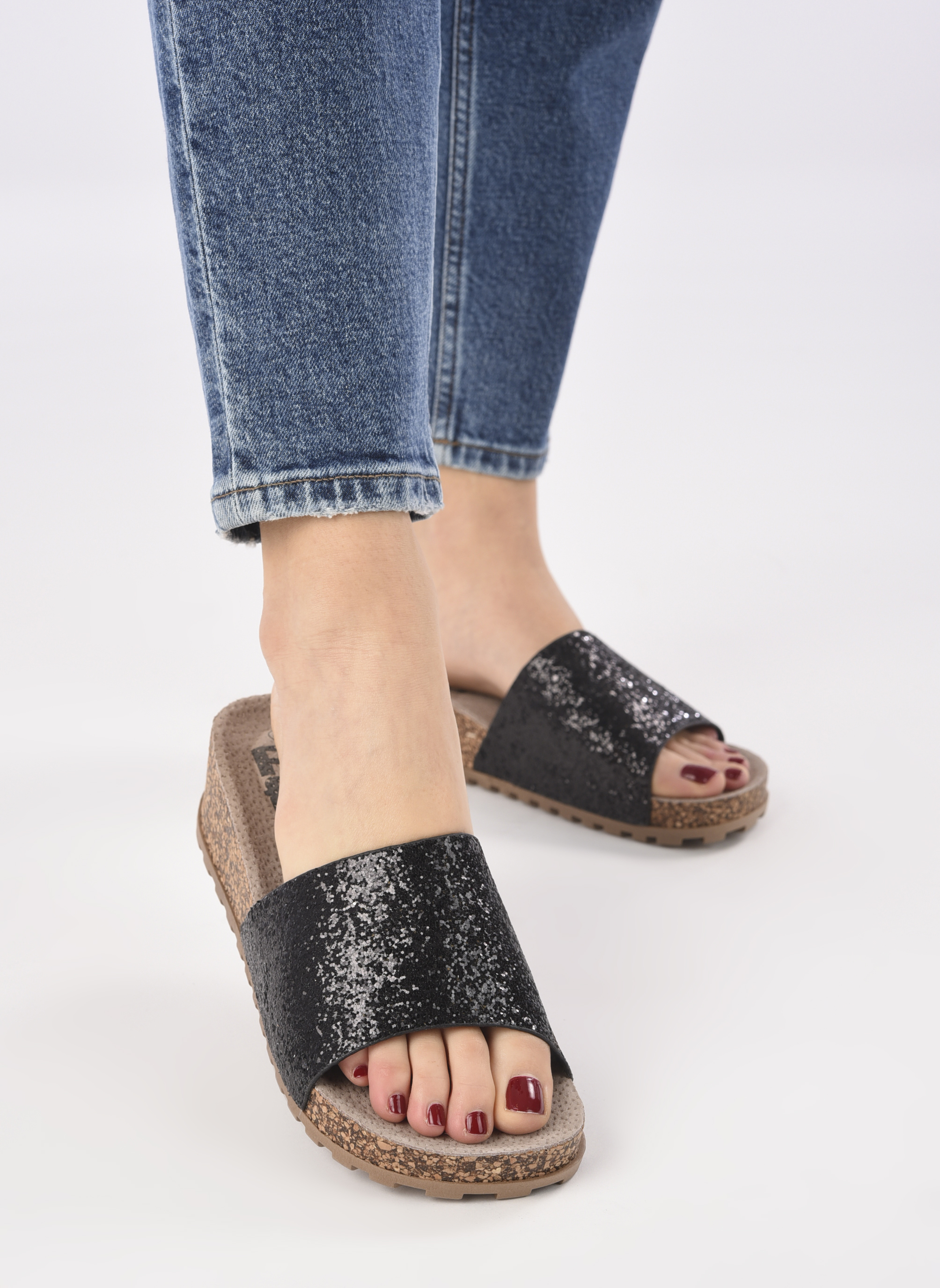Mules & clogs Refresh Baille Black view from underneath / model view