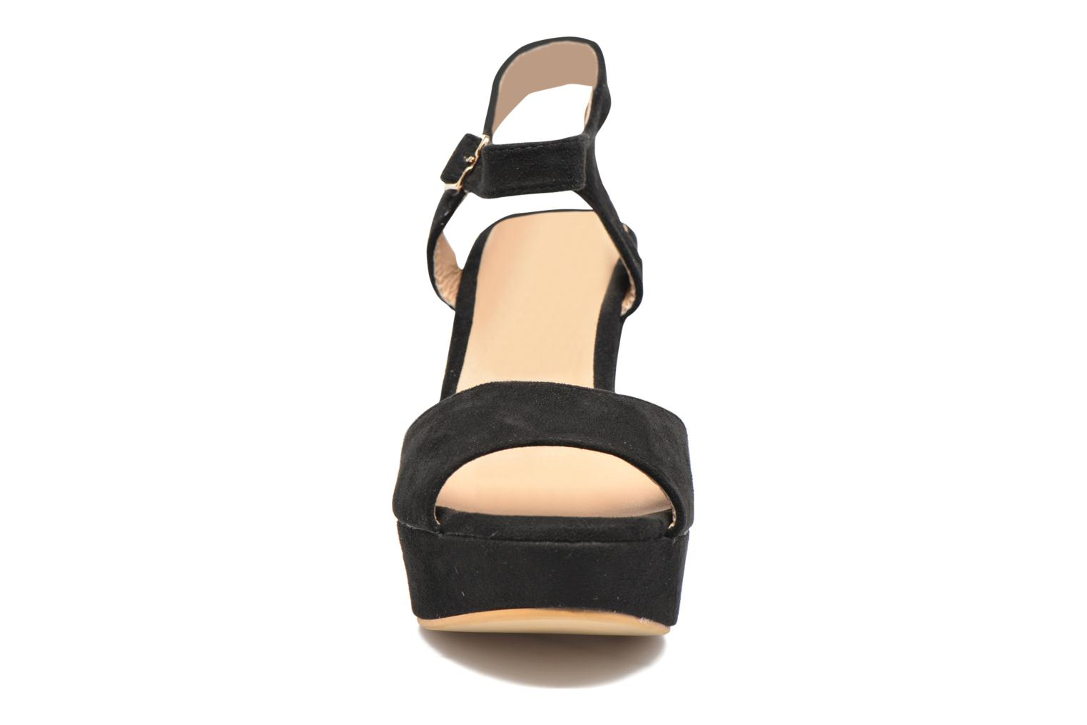 Sandals Refresh Mack Black model view