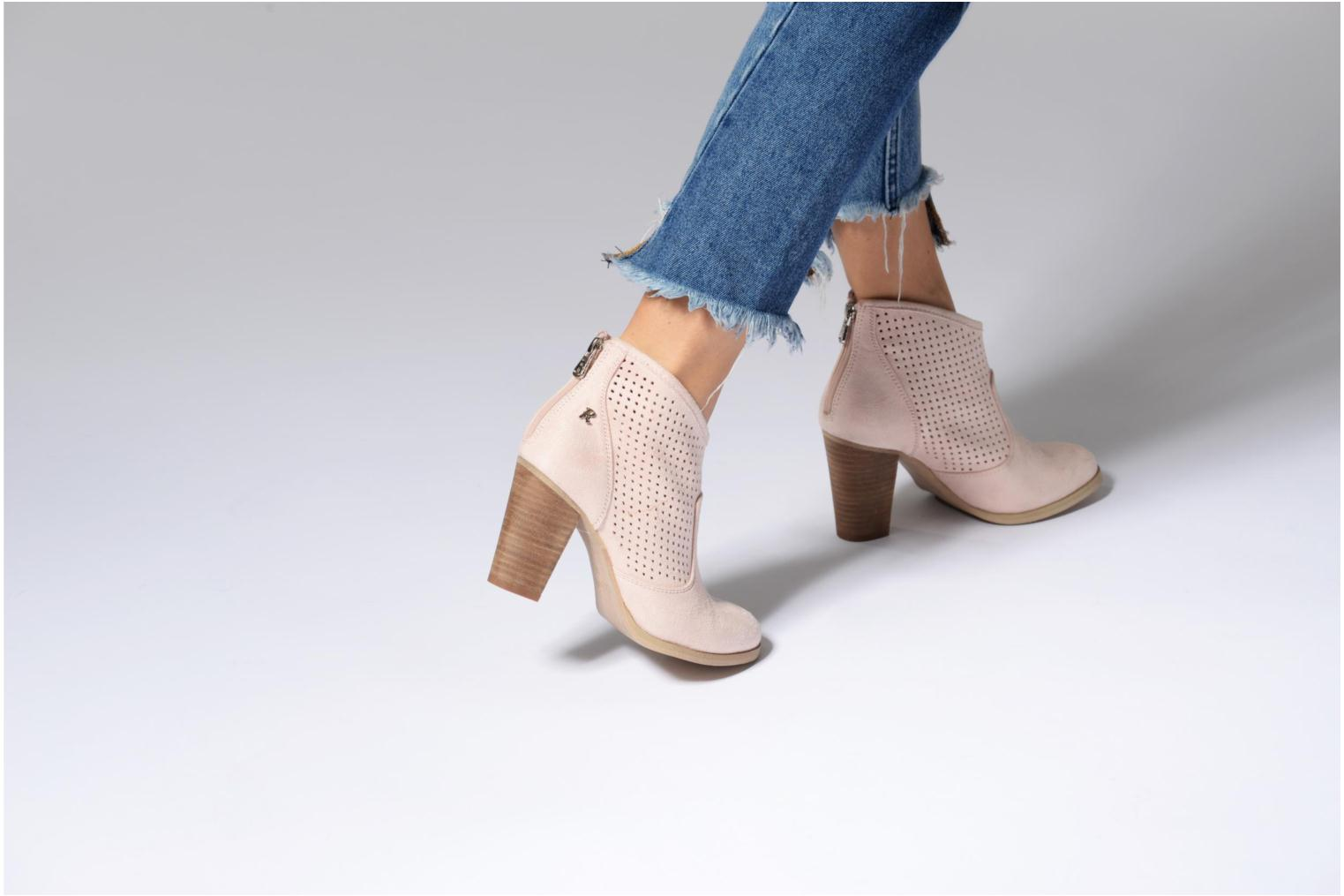 Ankle boots Refresh Lono Pink view from underneath / model view