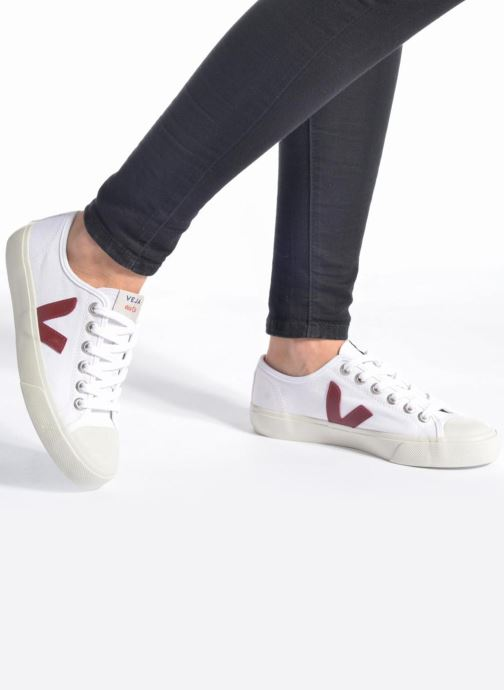Trainers Veja Wata Pink view from underneath / model view