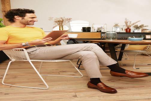 Slipper Marvin&Co Luxe Walsall - Cousu Goodyear braun ansicht von unten / tasche getragen