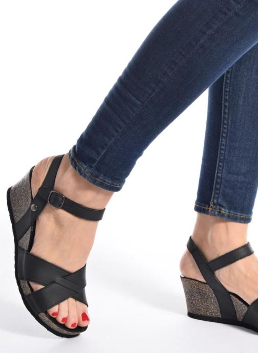 Sandales et nu-pieds Panama Jack Vika Noir vue bas / vue portée sac