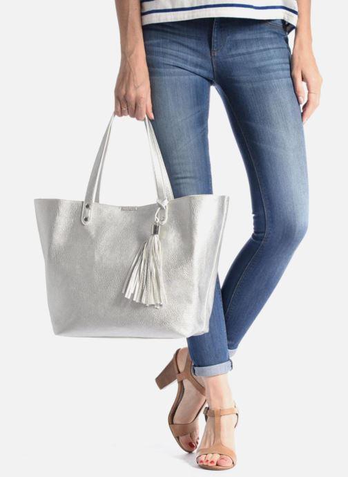Handtaschen Georgia Rose LADY Cabas silber ansicht von unten / tasche getragen