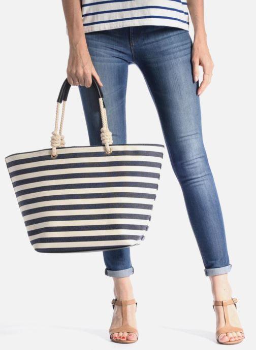 Handtaschen Georgia Rose LILY Cabas blau ansicht von unten / tasche getragen