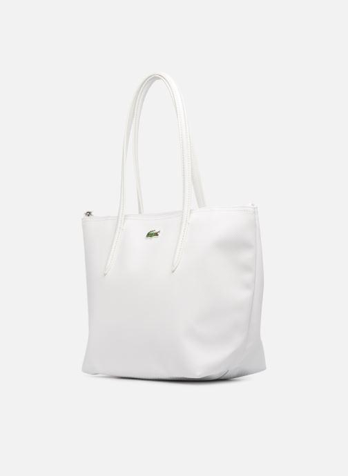 Sacs à main Lacoste S SHOPPING BAG Blanc vue portées chaussures