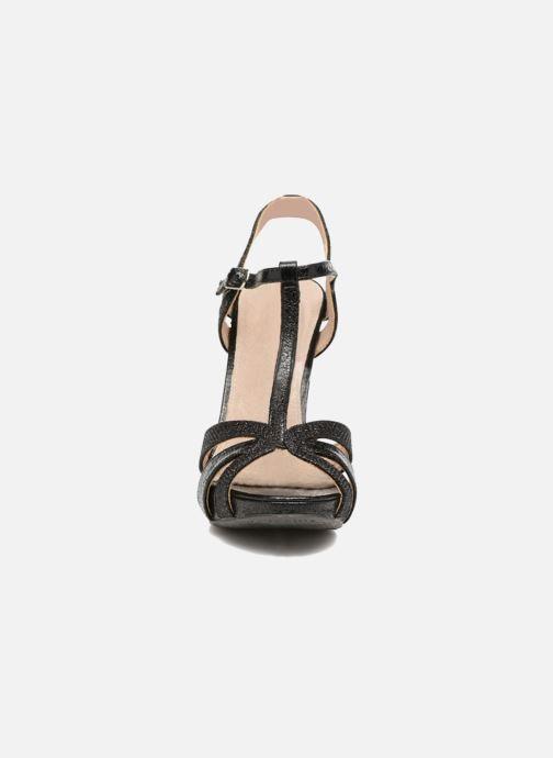 Sandales et nu-pieds Xti Martha 30610 Noir vue portées chaussures