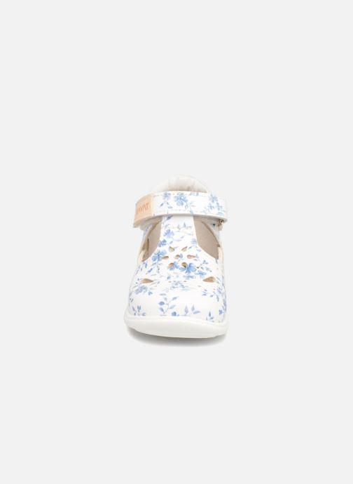Sandales et nu-pieds Kavat Angskar XC Blanc vue portées chaussures