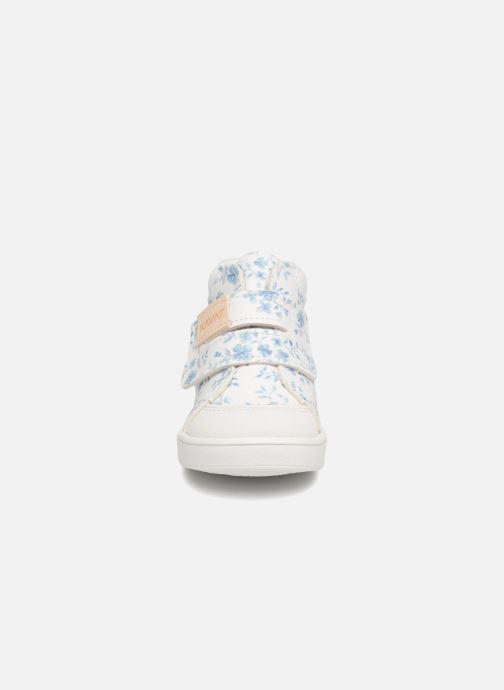 Baskets Kavat Fiskeby XC Blanc vue portées chaussures