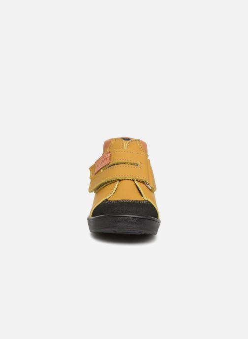 Baskets Kavat Fiskeby XC Jaune vue portées chaussures