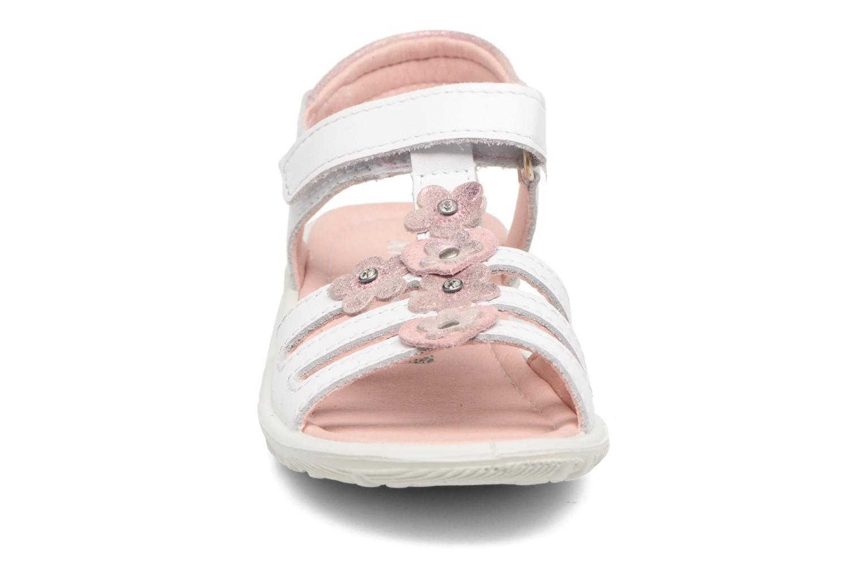 Sandaler Ricosta Chica Vit bild av skorna på