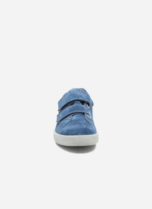 Sneakers Ricosta Mola Azzurro modello indossato