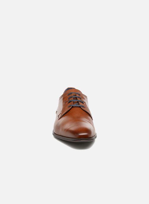 Scarpe con lacci Fluchos Cesar 9668 Marrone modello indossato