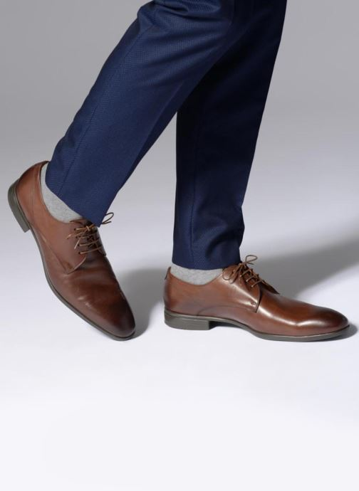 Lace-up shoes Doucal's OSCAR Vichy Brown view from underneath / model view