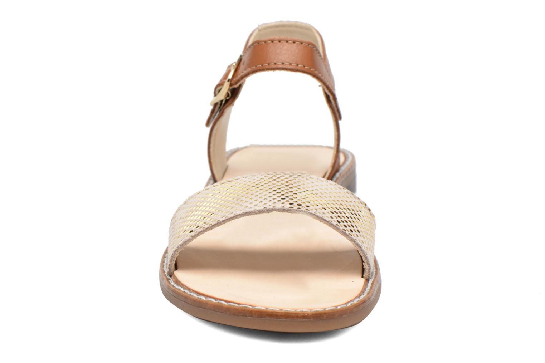 Sandalen Bopy Epouf braun schuhe getragen